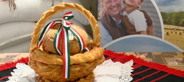 2015.08.12. magyarok kenyere