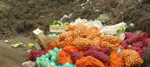 Lebuktak - nem tudták igazolni, honnan van a zöldségNyíregyháza- A NAV többször, több helyen ellenőrizte a nagybani árusokat, több milliós bírságra számíthatnak a szabálytalankodók.