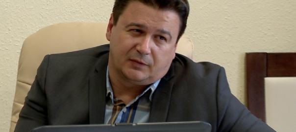Demecseri-ügy: július 31-én választanak polgármestert és testületetDemecser - Szerdán délután döntött az illetékes bizottság az időpontról. Azért kell új választás, mert hétfőn a testület feloszlatta önmagát.