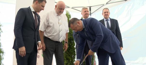 A járási hivatalok rendszere a magyar állam egyik legfontos eszköze, ugyanis saját szolgáltatásait kínálja itt a lakosság számára az állam. Hangoztatta Fehérgyarmaton Dr. Tuzson Bence.