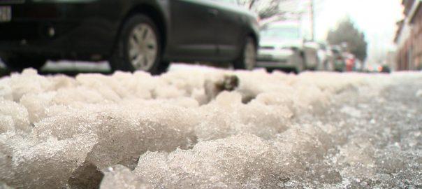 A közlekedésben a téli időszak tudatos felkészülést igényel – figyelmezet a rendőrség.