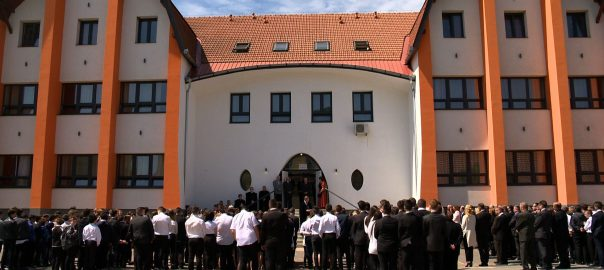 920 millió forintos EFOP-os támogatásból újult meg a kisvárdai Várday Kata Református Általános Iskola.