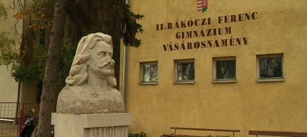 vasarosnameny