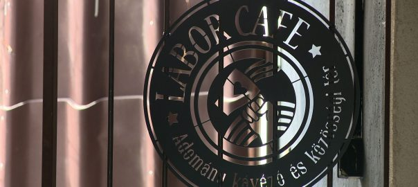 Bővült és újra nyitott a Labor Café