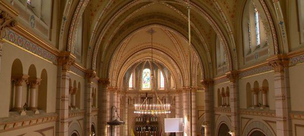 Megújul a Kossuth téri római katolikus templom