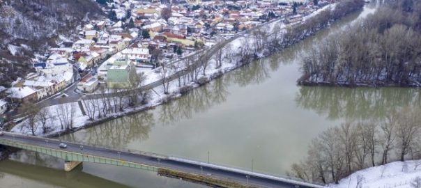Újabb korlátozás a tokaji hídfelújításnál