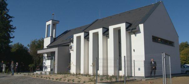 Sajat templomot kaptak a rakamaziak